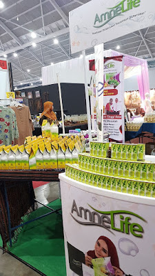 AmneLife sells stevia sweetener (foreground) and a product for detoxing (background).