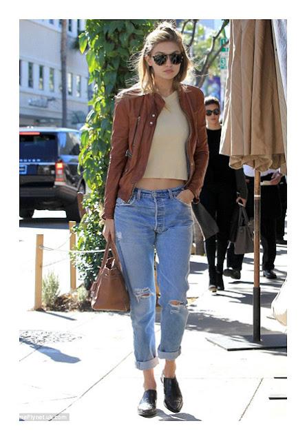 Более прилегающие джинсы бойфренды на фигуре песочные часы