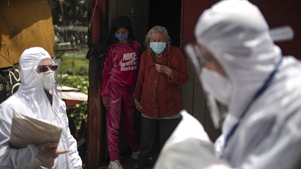 En su peor día, Colombia marca doble récord de 801 casos y 30 muertes