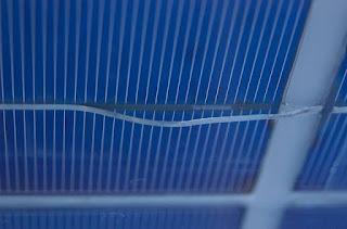 صور لبعض التلف الذي تحدثه درجات الحرارة على خلايا الألواح الشمسية