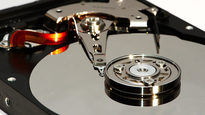 Wallpaper: Hard Disk