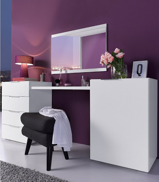 white vanity makeup table with mirror and storage drawers