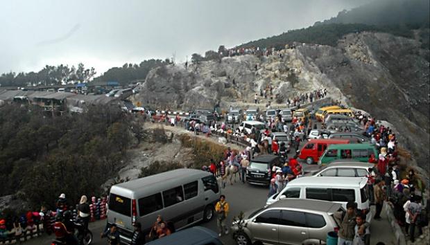 objek wisata paling banyak dikunjungi orang di bandung