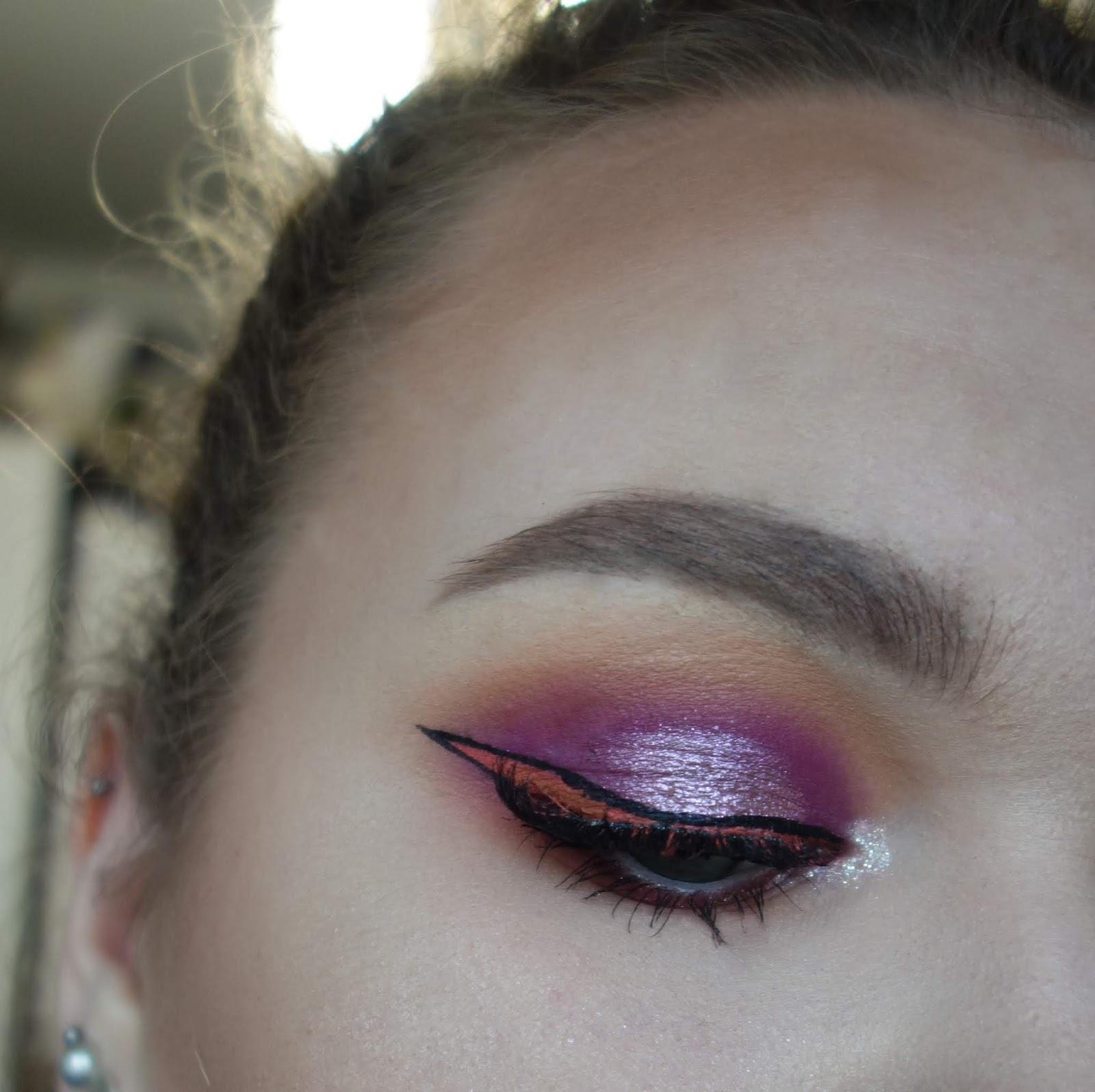 Makijaż z graficzną koralową kreską   Inglot, Glamshop, Sephora, Maybelline