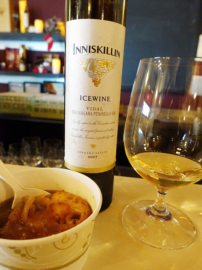 Inniskillin Vidal Icewine 2017 (89 pts) with Vidal onion soup