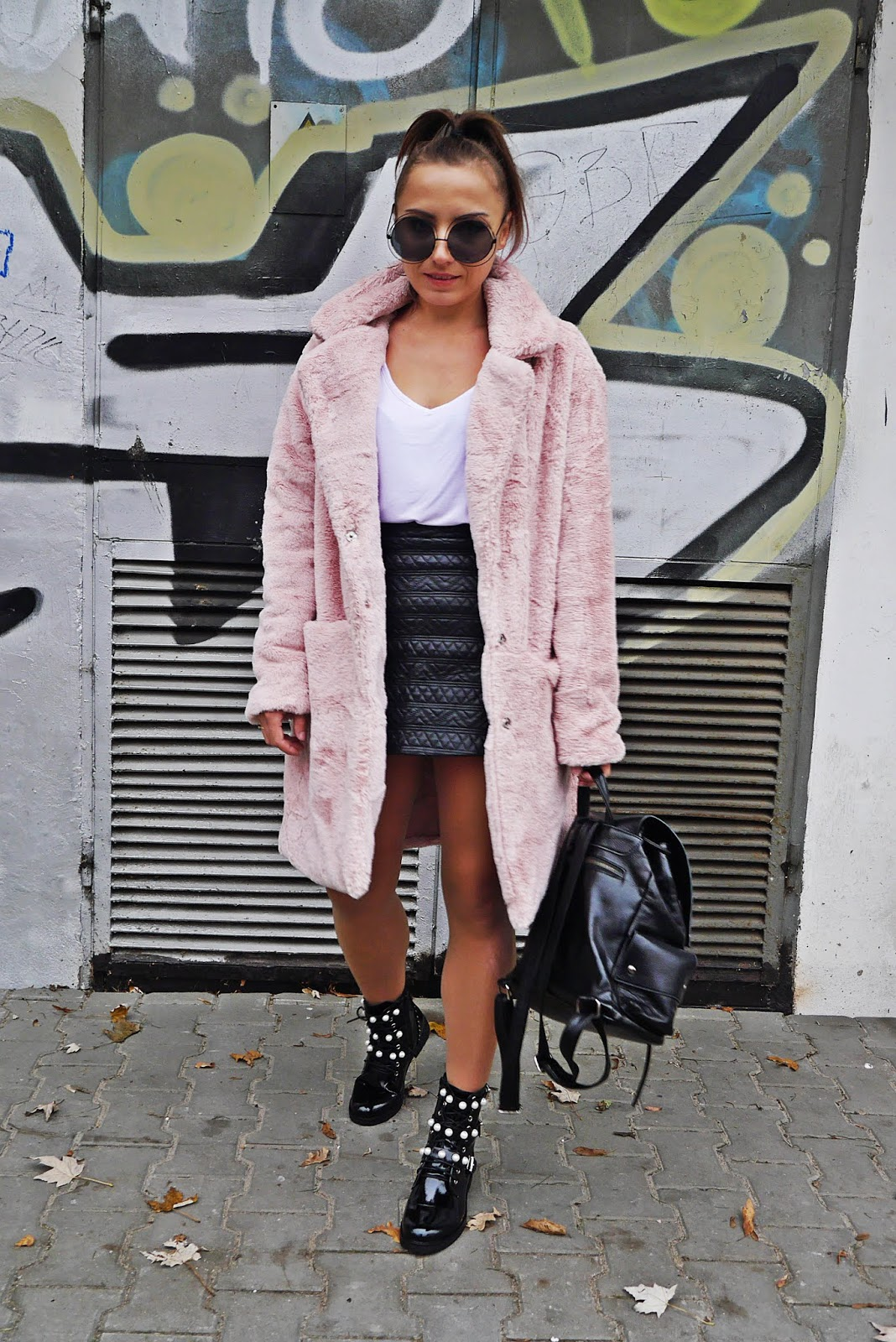 Biker boots zara with pearls pink fur outfit look karyn blog modowy
