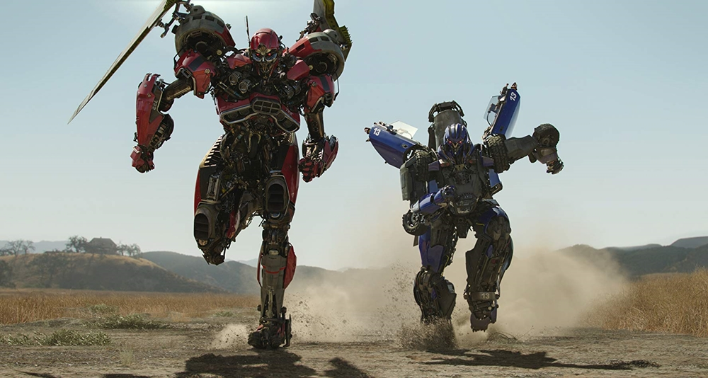 Bumblebee, Transformers, Paramount Pictures, Hailee Steinfeld, Optimus Prime, Cybertron, Decepticons, Movie Review by Rawlins, Rawlins GLAM