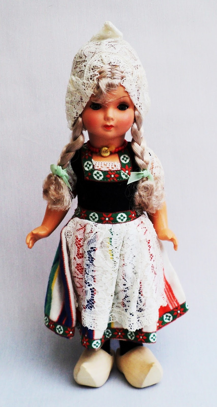 World Costume Dolls: DOLLS FROM NETHERLANDS, IRELAND ...