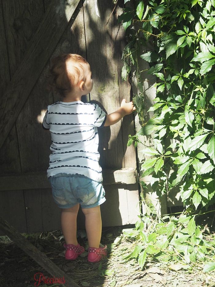 dziecko tajemniczy ogród
