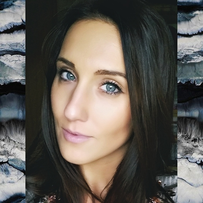 Jelena Zivanovic Instagram @lelazivanovic.Glam fab week.Blue eyes smokey makeup.