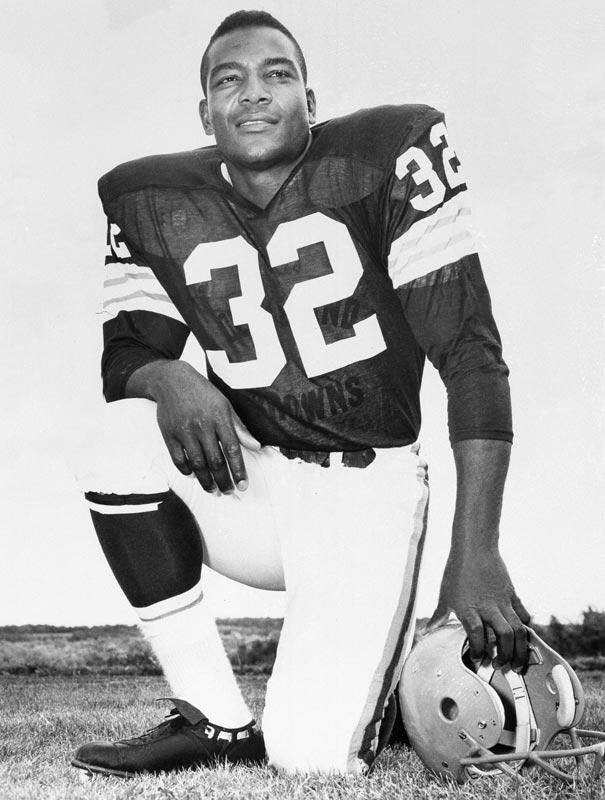 Jim Brown Top NFL Legends ~ Sports Legends Wallpaper