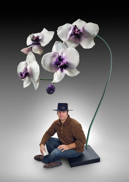 13-Jason-Gamrath-Giant-Glass-Orchids-and-other-Flowers-Sculptures-www-designstack-co