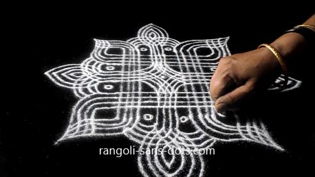 Sankranti-muggulu-with-llines-712ab.jpg