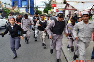 Resultado de imagen para policias de republica dominicana