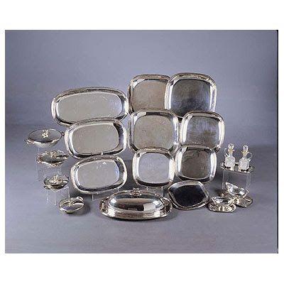Vajilla de plata. Bandejas de distintos tamaños