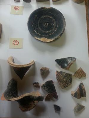 Πλήθος αρχαίων αντικειμένων βρέθηκε σε δύο αποθήκες στη Χαλκιδική