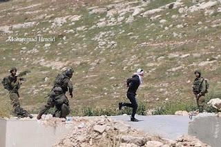 Tentara Israel Tembak Remaja Palestina yang Diborgol dan Mata Ditutup