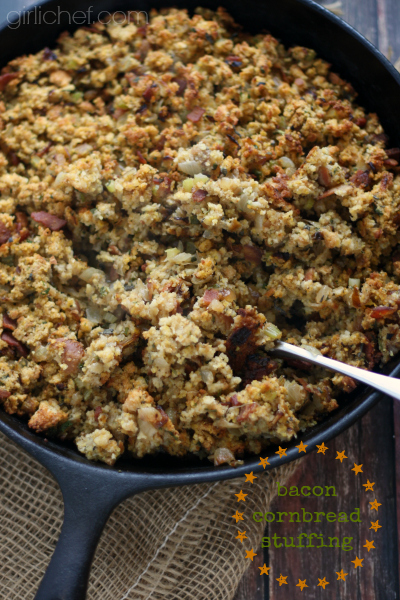 Bacon Cornbread Stuffing #Thanksgiving #bacon