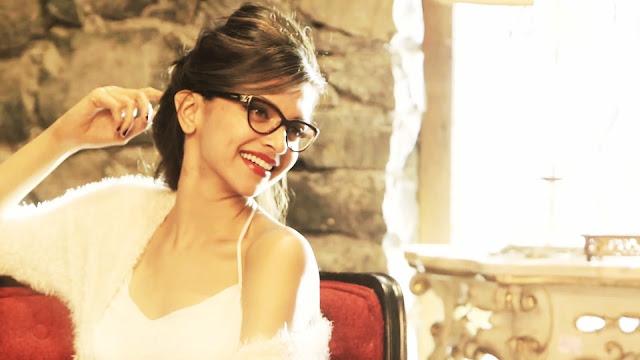 Bollywood Actress Deepika Padukone Wallpape
