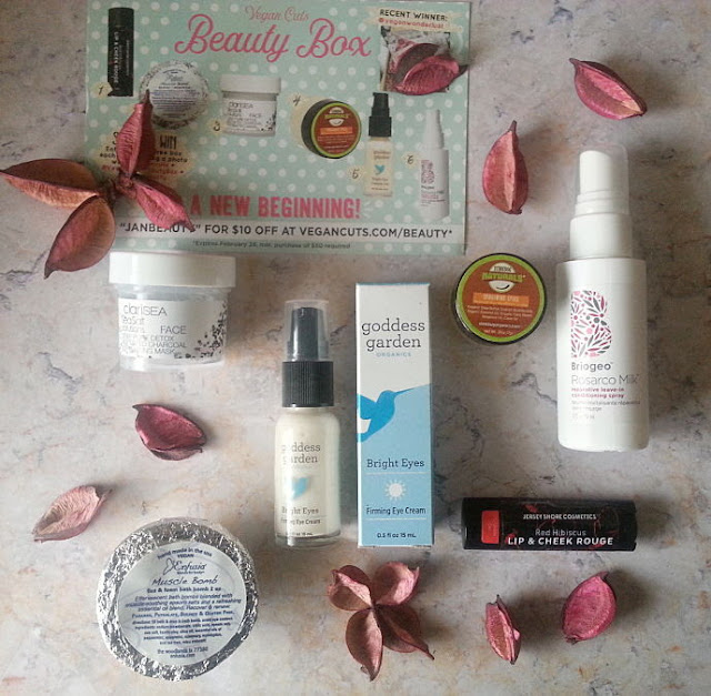 vegan-cuts-winter-warm-up-beauty-box