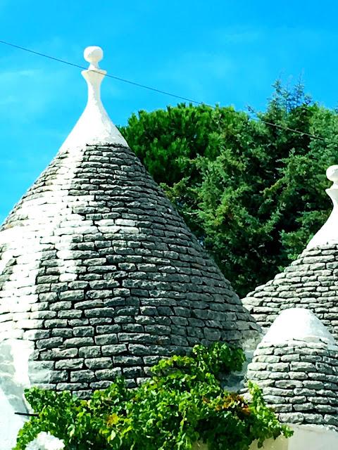 symbols-trulli-cone