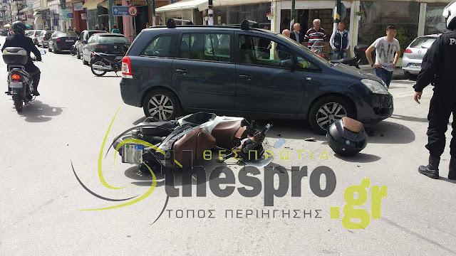 Σύγκρουση ΙΧ με δίκυκλο όχημα (+ΦΩΤΟ)