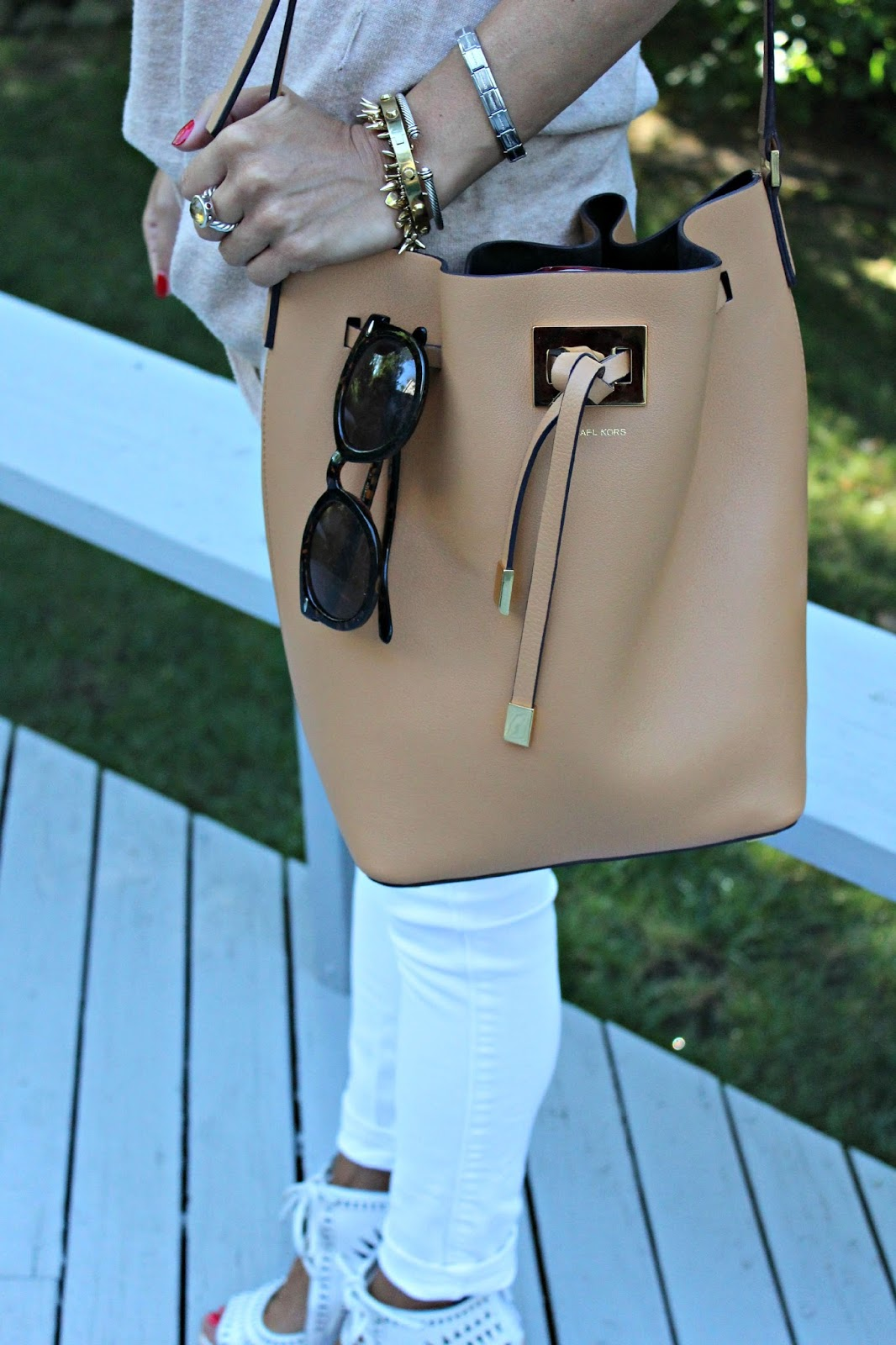 michael kors collection bucket bag