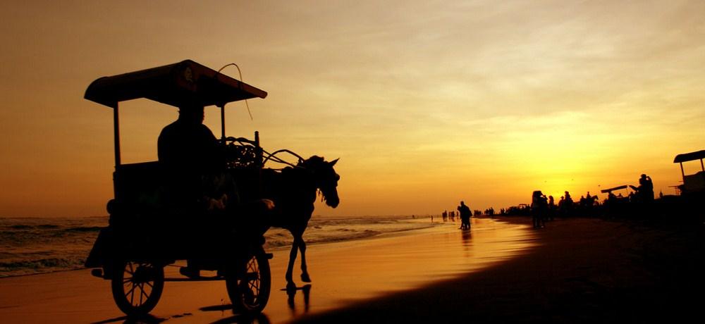 Wisata sunset di parangtritis yogyakarta