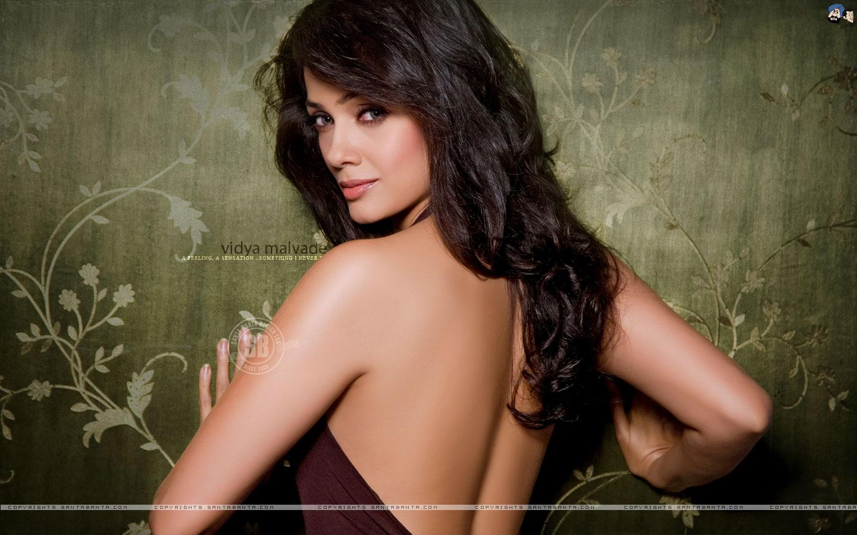 divya dutta nude pics
