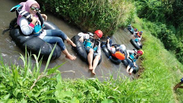 River Tubing Desa Wisata Lembah Mbencirang Mojokerto