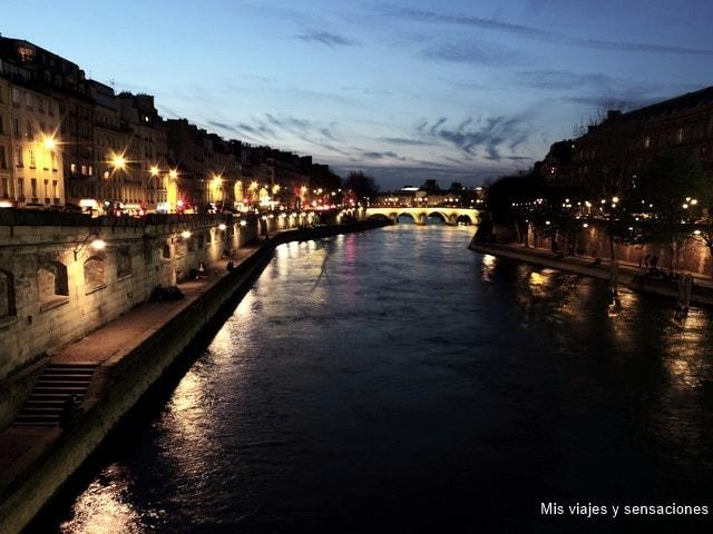 París de noche, el Pont Neuf o Puente Nuevo