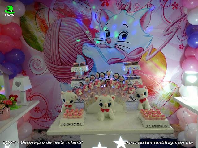 Mesa decorada provençal com o tema da Gata Marie