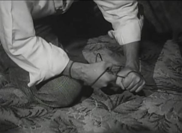 Cosmic Antipodes: Noir Reviews: Detour, November 1945