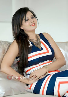 beautiful indian women pic, cute women pic, cute indian acress photo