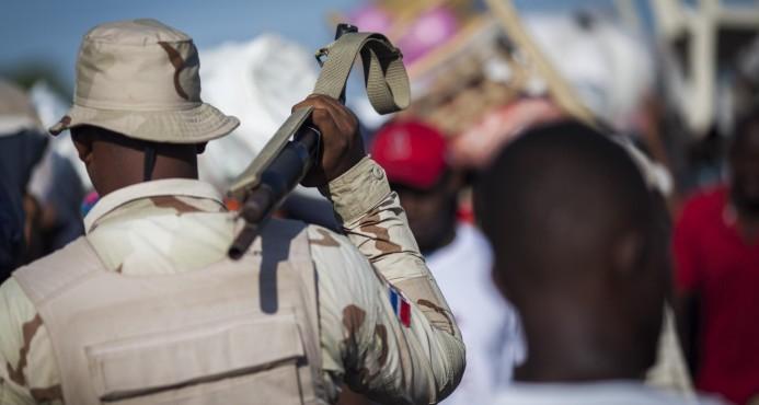 Militar mata una mujer y hiere infante durante persecución a varios haitianos