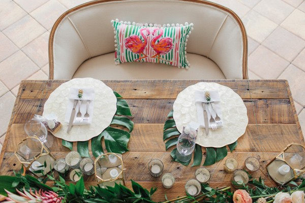 mesa de madera rustica para novios chicanddeco