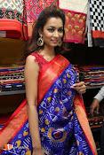 Rashmi Thakur Inaugurates Pochampally IKAT Art mela 2016-thumbnail-5
