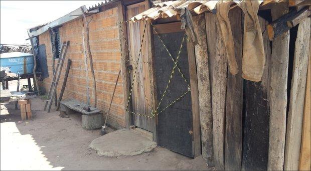 Homens viviam em alojamentos sem condições mínimas de higiene (Foto: Divulgação/PRF)