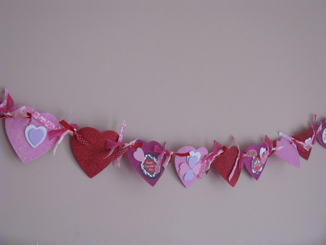 VALENTINE'S DAY BANNER & CUPCAKE DECORATING PARTY