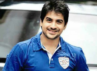 Pushkar Jog Family Wife Son Daughter Father Mother Marriage Photos Biography Profile.