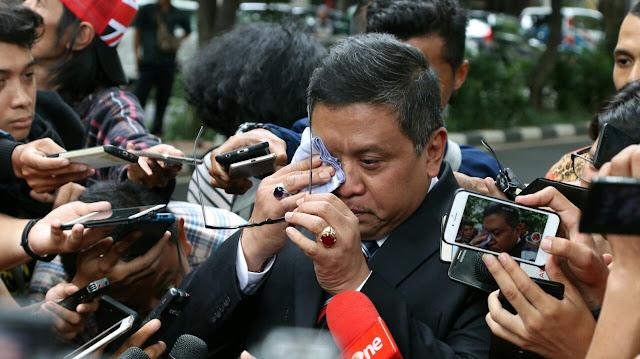 PDIP Soal Mundurnya Azwar Anas: Kiyai dan Megawati Menangis