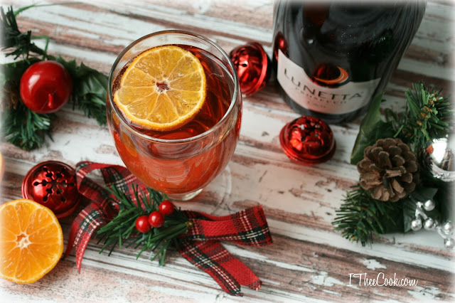 33 Festive and Colorful Christmas Cocktails for some Merrymaking