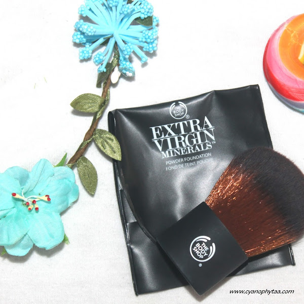 Review The Body Shop Extra Virgin Minerals Powder Foundation Brush
