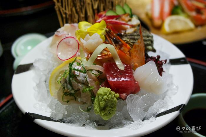 assiette de sashimi, ryokan Mansuirou, Misasa, préfecture de Tottori