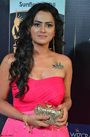 Sraddha in Sleeveless Off Shoulder Pink Dress at IIFA Utsavam Awards March 2017 014.JPG