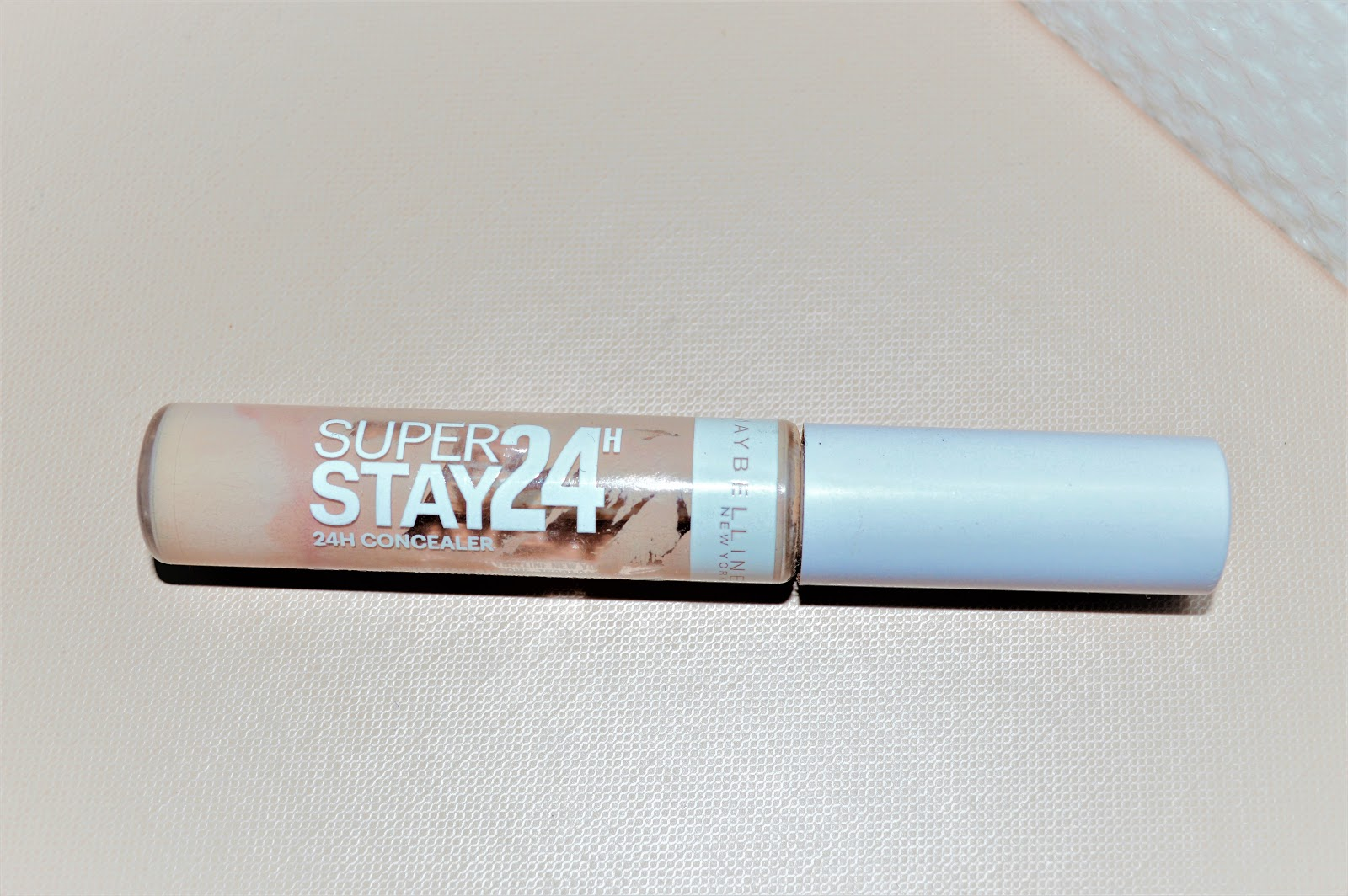 Superstay24h Gemey Maybelline