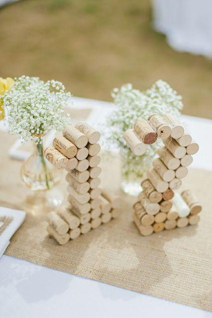 decoration mariage thème vin numéro de table bouchon de liège
