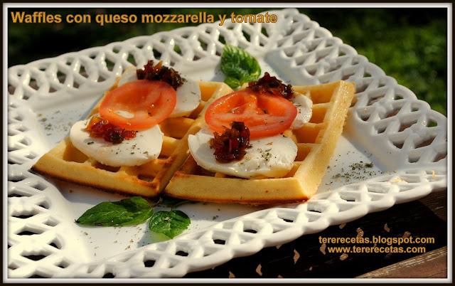 Waffles o Gofres con queso mozzarella y tomate 02