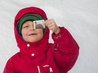 Babia Góra w zimie, zabawy na śniegu, zabawa nad strumykiem