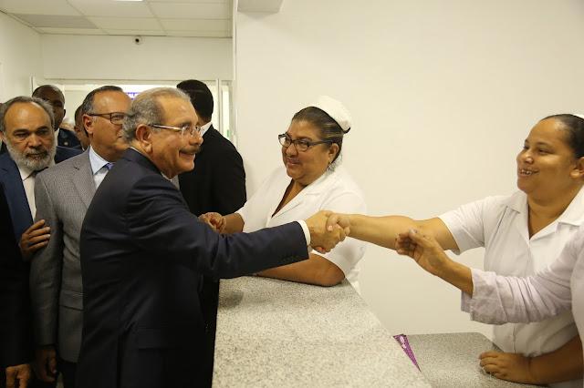 Sánchez optimiza servicios de salud; Danilo Medina entrega hospital totalmente remozado y moderno
